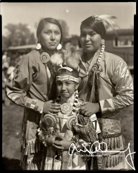 Thee-Amercan-Indian-Children